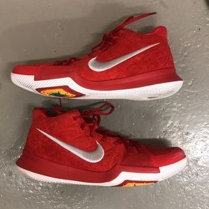Nike Kyrie 3 Red Suede 12 USED 852395-601 Irving